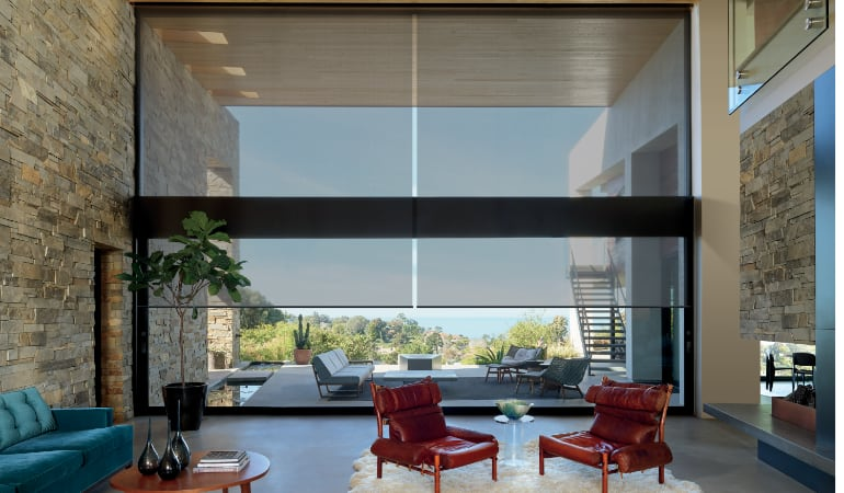 Motorized shades in a Orlando family room.